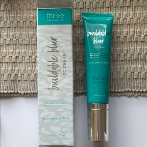 Thrive Cosmetics buildable blur cc cream